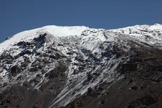 Dans la montée finale du Kilimandjaro