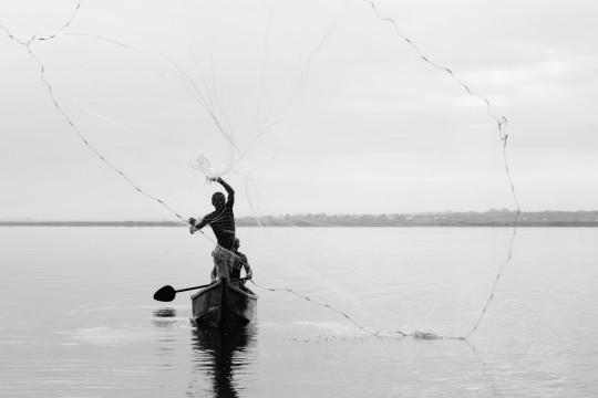 Pêcheurs sur le Lac Victoria en Ouganda